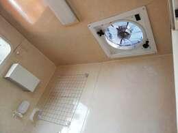 キッチンカー 即開業OK シンク×2 外部電源 照明 換気扇 サッシ付き
