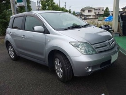 トヨタ ist 1.5 S 4WD HID ETC