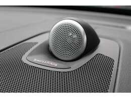 1100Wの出力と15個のハイエンドスピーカーを備えるB&Wプレミアムサウンドシステムを装備(OP価格:32万円)。