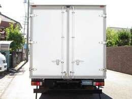 荷箱キタムラ T08-4253 20年10月 荷床ステンレス張り 観音ドア交換済 荷室 長さ373x幅208x高さ197センチ 最大積載量2000キロ 車両総重量 5085キロ 内外装キレイ
