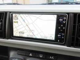純正HDDナビが装備されております♪画面もクリアで運転中も確認しやすいです♪ワンセグTVとDVDの視聴もお楽しみ頂けます♪AUX接続も可能です♪