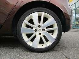 お車が気になる方は、お気軽にスーパーオークション小針店までお問い合わせ下さい。フリーダイヤル:0066-9711-383042