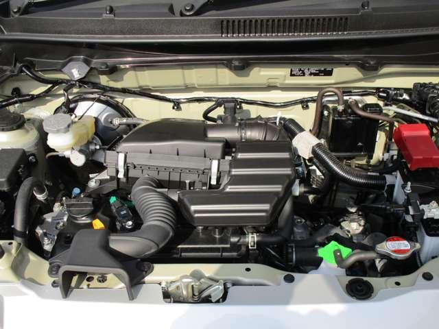 減速時のエネルギーで発電・充電し、ムダな燃料消費を抑える『エネチャージ』搭載。
