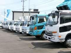 自社整備工場がございますので車検・整備もお任せ下さい。