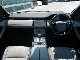 LAND ROVERのSUV『RENGE ROVER EVOQUE』を認定中古車でご紹介!R-DYNAMIC ファーストエディションです!パノラミックルーフ、ヘッドアップディスプレイ、MERIDIAN