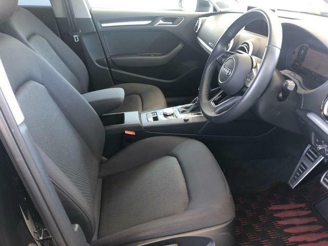 自動車保険もお任せください。Audi自動車保険プレミアムは、フロントガラス、タイヤパンク、ドアミラーの損害を補償する、Audiプレミアムケアが無償で付帯されます。