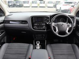 【 前席全体 】充実した装備と上質な空間がドライビングを楽しくしてくれます!
