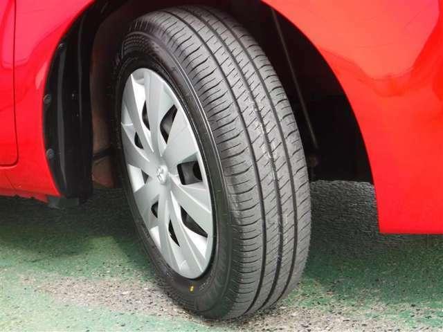 タイヤは4本新品に交換済!ユーカ-選びの大切なポイントですよね。