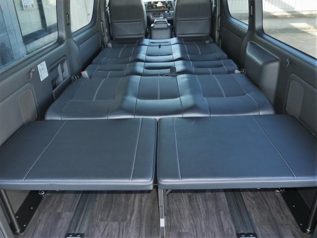 オプションの延長ベッドも現車特典で取付済みです
