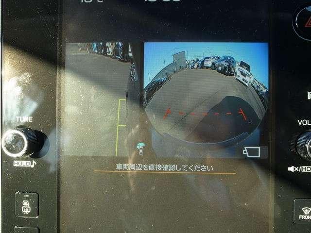 フロントカメラ、サイドカメラ、バックカメラ搭載しております。