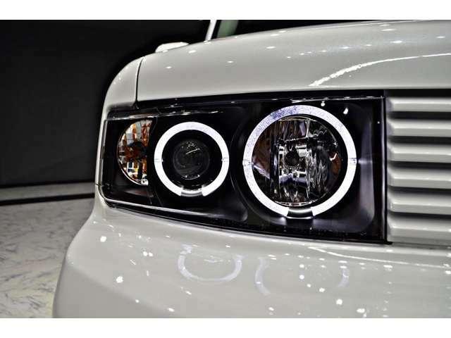 新品4連イカリング&インナーブラックヘッドライト 車全体が引き締まります!クリアレンズに交換も可能です!