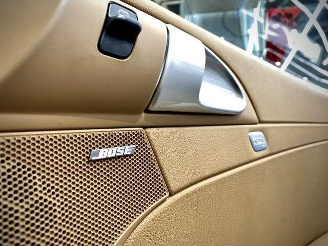 こちらもオプション選択の【BOSEサラウンドシステム】を搭載。厚みのあるミュージックでドライブをご堪能下さい。