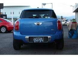 車輌についての質問などお気軽にご連絡くださいませ!無料電話番号「0066-9711-076176」をご利用くださいませ!