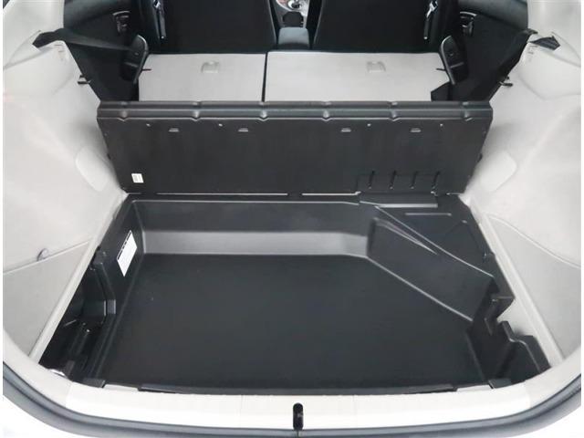 【トランク】トランク下にも収納スペースがあります。