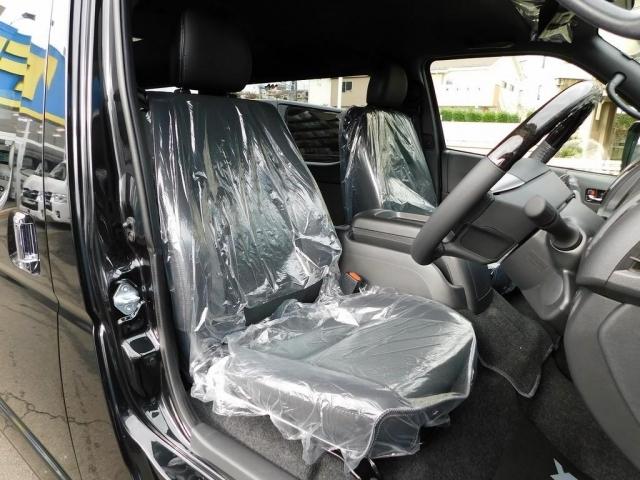 特別仕様車専用のハーフレザーシート!通常モデルとは違い高級感がありますねっ!!!