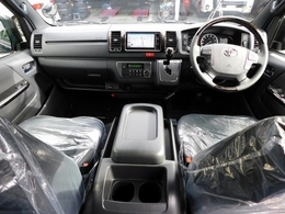 特別仕様車ならではの高級感のある室内♪座面も高くロングドライブも楽しいです♪