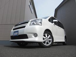トヨタ ノア 2.0 Si サイドリフトアップシート装着車 4WD