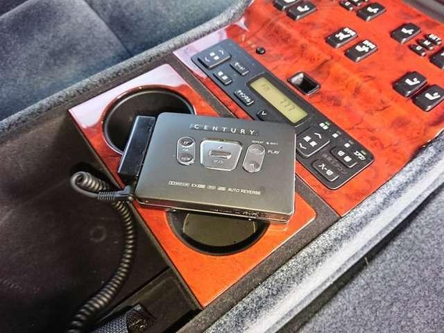 センチュリー純正のテープレコーダー!カラオケカセットがあればカラオケも楽しめます!