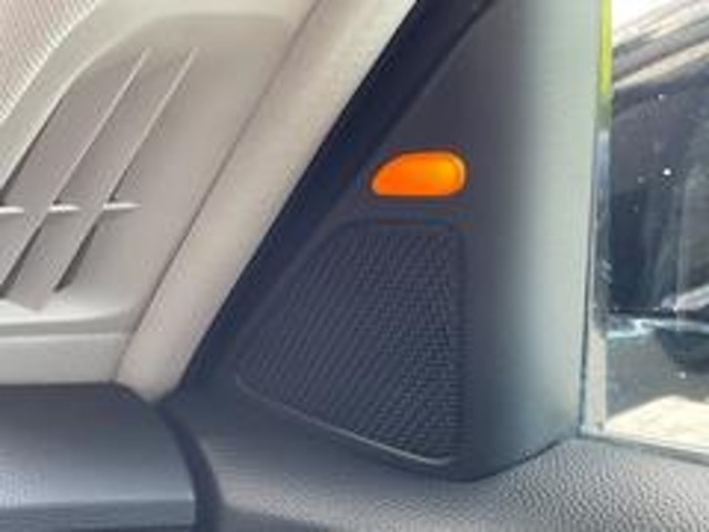 後側方衝突支援システム【BSM】を完備!隣の車線を走る車をレーダーで検知します!検知すると、ドアミラー付近にある表示灯が点灯や点滅し、注意を喚起します☆高速道路などでドライバーの安全をサポートします!