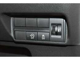 当社の展示車は、車両本体価格に納車前の車検整備や法令点検整備の際に必要な部品代金と工賃が含まれております。
