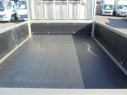 荷台木張り・三方開・内寸約211×160