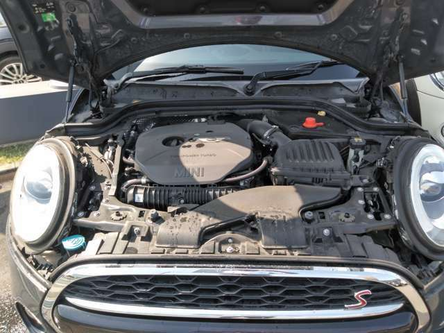 エンジンはツインストロークターボでパワフルかつ、スムーズな走りを実現!!MINIのゴーカートフィーリングを体感致しませんか?