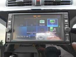 フルセグTV・CD再生・ブルートゥース機能がついています