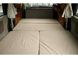 ベッド寸法181cm×115cm☆
