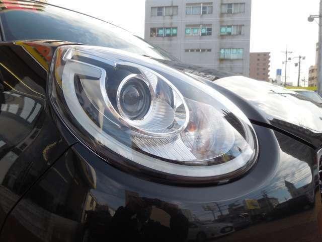 LEDヘッドライトは、本当に明るくて安全です。夜間には必需品ですね!暗い夜道からお客様を守ってくれます。