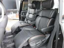 大人気の7人乗りモデル♪ セカンドシートはオットマン付きキャプテンシートになります♪ 質感の良い、ブラック本革ダイヤステッチシートになります♪ まるで高級チェアのような仕上がりになっております♪