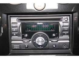 カーオーディオを装備。iPodなどのミュージックプレイヤーと接続可能です。