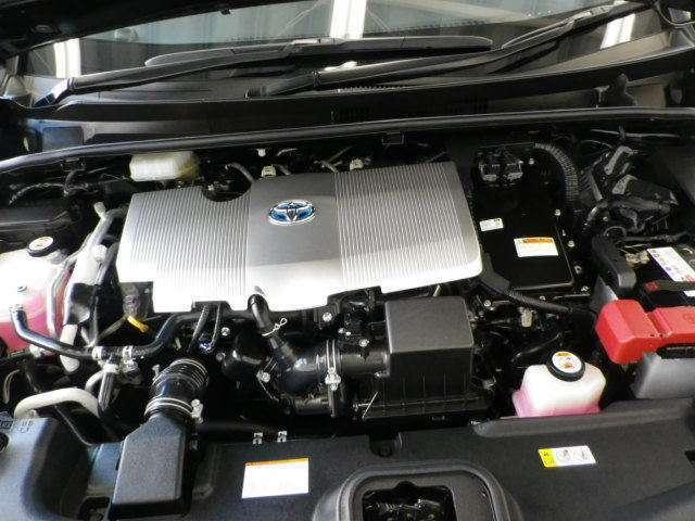 排気量は1800cc!アイドリングストップ機構搭載!エンジンとモーターが協調して走る先進のハイブリッドシステム。地球環境に優しいパワーユニットです!