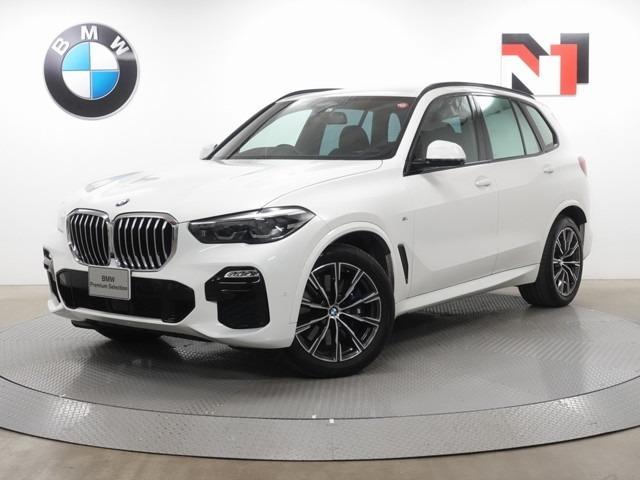 ♪自社下取車を中心に、安心かつ高品質なモデルを常時160~220台取り揃えています。BMW最新のCIに基づいた、天井が高く、広々としたショールームを備えていますので、ゆったりとお選びいただけます。