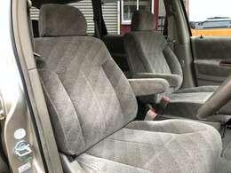 運転席・助手席もとても綺麗です。とても座り心地の良いシートです。雰囲気出てます!!お問い合わせは011-299-5556又はsstyle88@gmail.comまで
