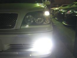 高光度LEDポジションバルブ&LEDフォグランプを点灯して撮影した写真です。素晴らしくCOOLなナイトドライブを楽しめます。