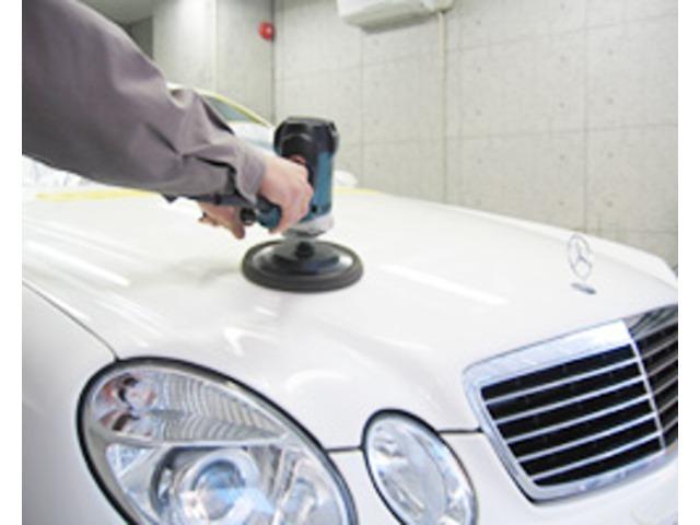 Aプラン画像:ガラスコーティングの大切なポイントである「磨き」。当社提携会社では、この「磨き」作業を研究しつくし、より美しく、よりガラスコーティングを引き立てます。愛車は輝きを手に入れることができます。
