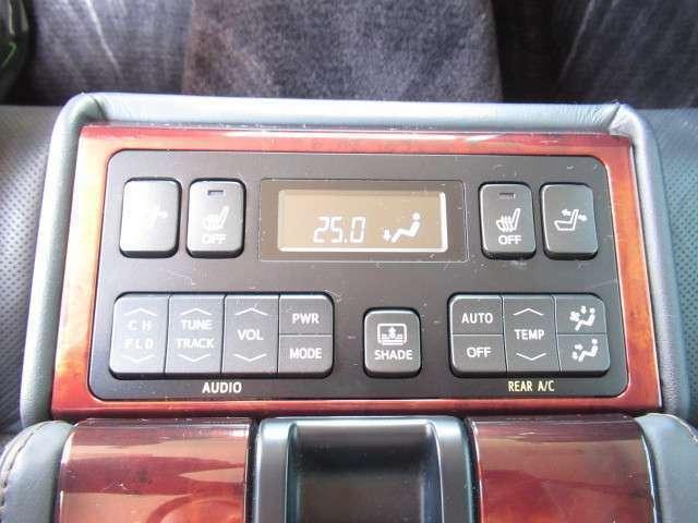 リアエアコン 後席シートヒーター 電動リクライニング!