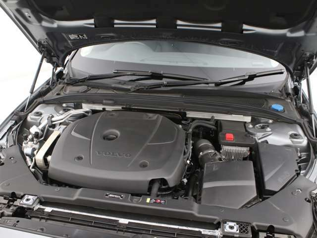 2.0リッターの排気量からハイパフォーマンスなT5直噴ガソリンターボエンジンです。