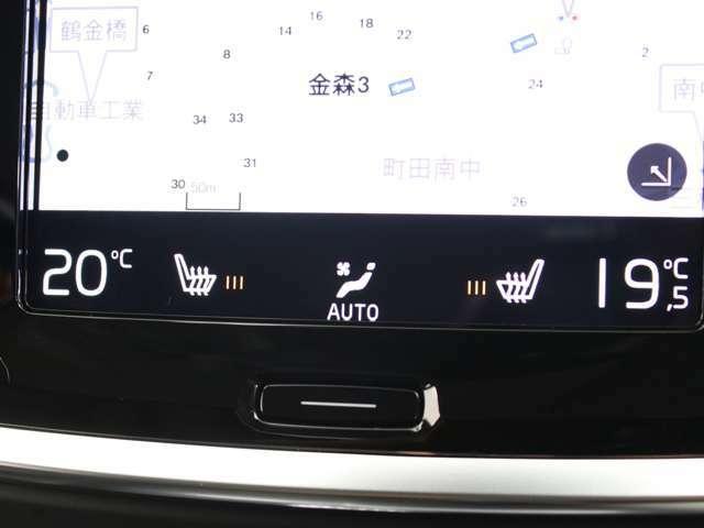 フロントシートには、シートヒーターを装備。厳寒の地、北欧スウェーデン発祥のブランドならではのアイテムです。
