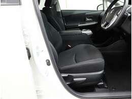 お気に入りのお車のお問い合わせは、無料のフリーダイヤル 0066-9711-707754 をご利用ください。
