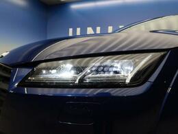 ●LEDヘッドライト『ハロゲンの数倍の明るさを誇る高寿命LEDヘッドライトで、安全運転を支える良好な視界を!』