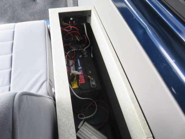 インバーターにサブバッテリー装備!