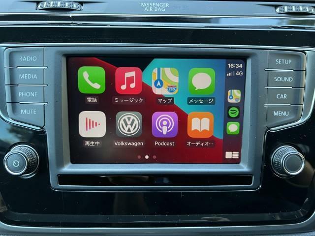 Car Play が搭載されており操作性に優れております