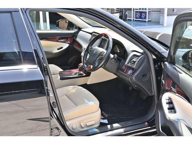 車内は隅々までしっかりとルームクリーニング済みです。品質を売りとして販売を行っております。見てご納得いただける自信があります。