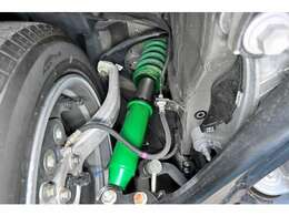 TEINのフルオーダーになるスペシャライズド・ダンパー取付済み。車種専用で作り上げた専用車高調の為、世界に1つのオリジナルになります!専用設計なので純正の減衰調整機能も使用可能です!