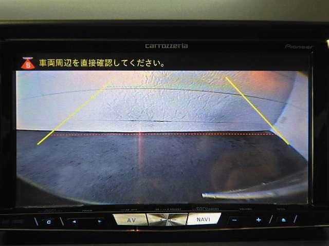 嬉しい装備のバックカメラ♪後方の死角が確認できるので、車庫入れの際も安心です!