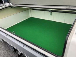 荷台も大きなダメージはございません。トラボを外せば便利な3方開きタイプです。