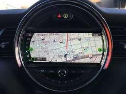 メーカーオプションHDDナビ!Bluetooth内蔵で、スマートフォンの音楽再生やハンズフリー通話も可能です!