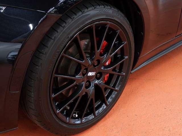 BBS製鍛造ホイール・タイヤ、も共にガリ傷やエグれ等無くタイヤ溝も充分にございます。