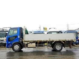 車両総重量13840kg 最大積載量8800kg
